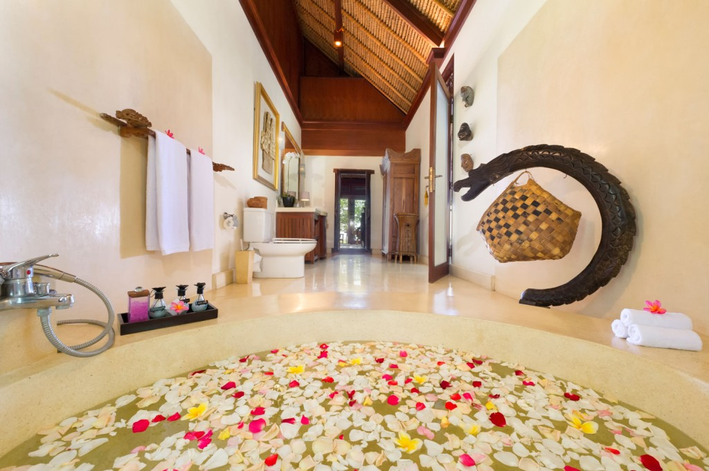 Villa-Sungai-Tinggi-Master-bathroom